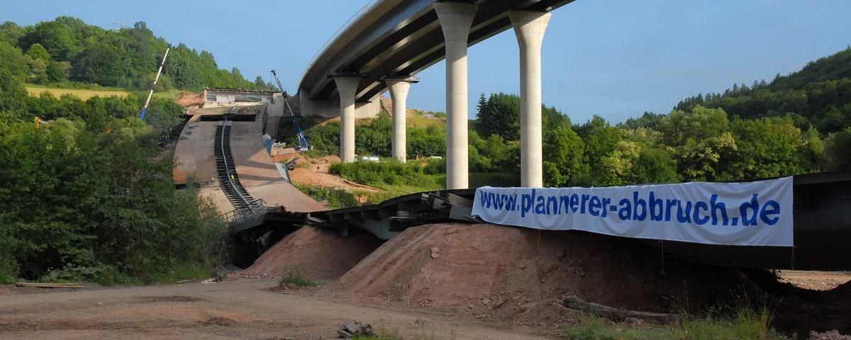 Sprengung Sinntalbrücke