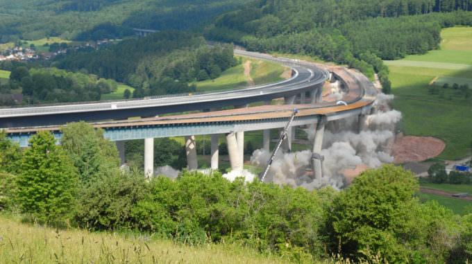 Sprengung der Sinntalbrücke in Bad Brückenau